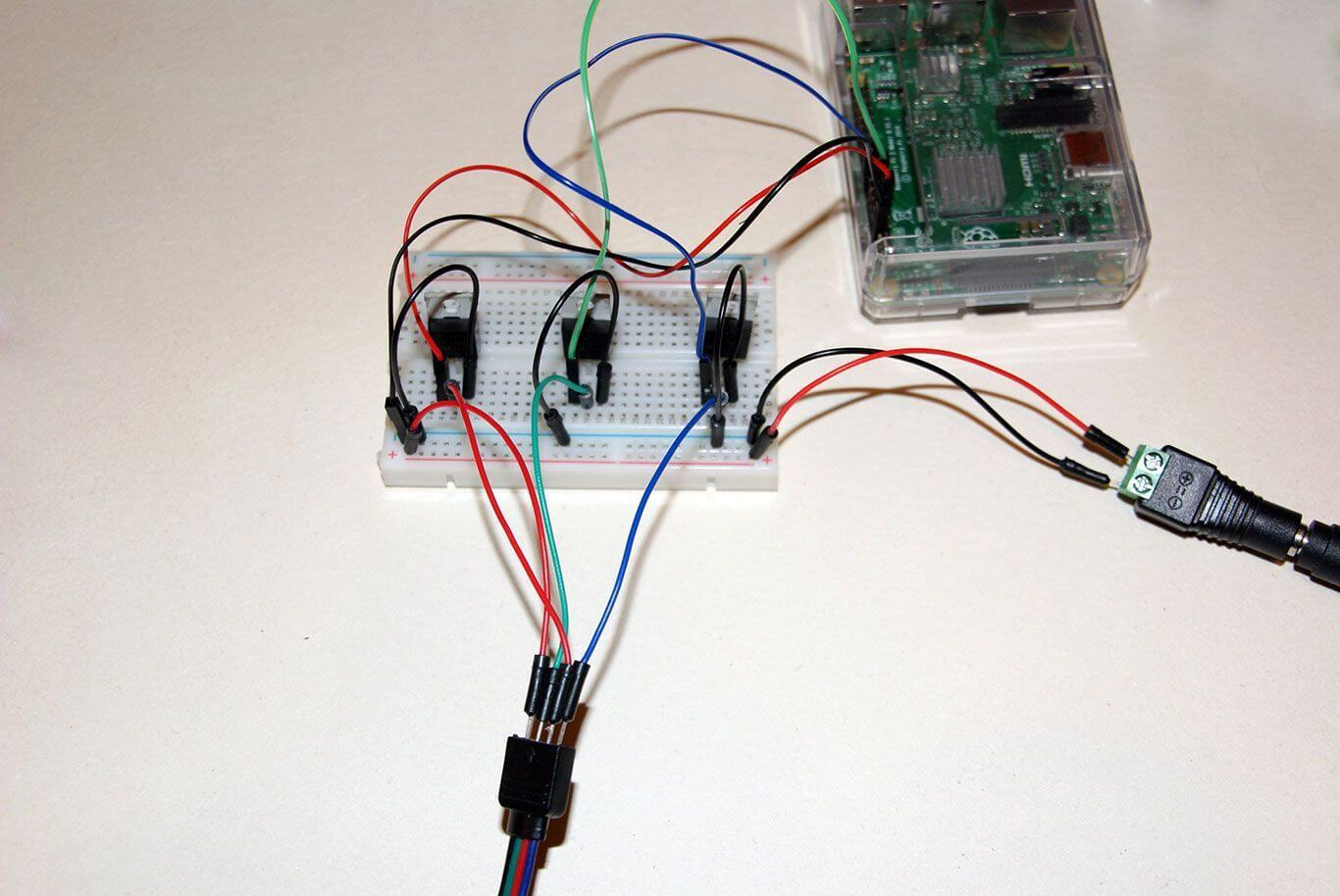 Connecting WS2813 with Raspberry PI